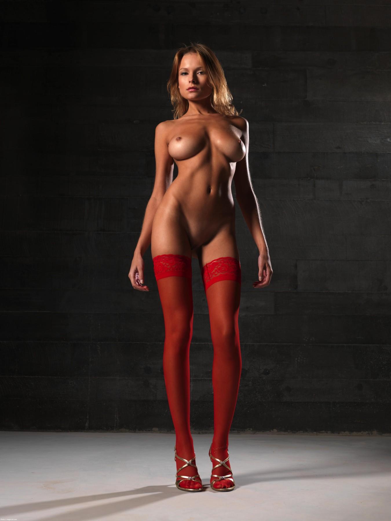 длинноногие девушки модели голые хосс деле гармония